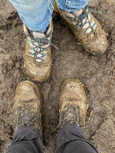 Aangepast schoeisel voorzien